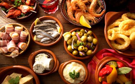 http://tussabores.com/blog/wp-content/uploads/2014/09/Breve-historia-de-la-cocina-espa%C3%B1ola.jpg